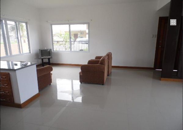 FOR RENT Bungalow House and Lot Near SM Clark - P30K - 6