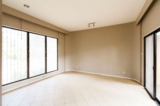 Large 5 Bedroom House for Rent in Maria Luisa Park - 7