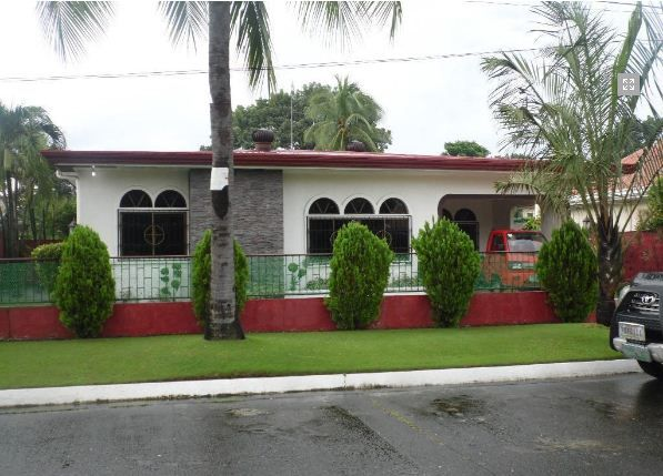 Fully Furnished Bungalow House for rent near SM Clark - 0