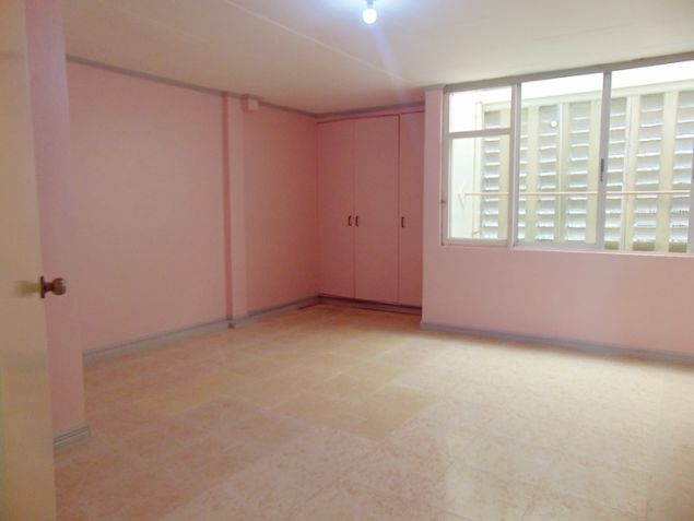 Apartment for rent in Mabolo Cebu City with 4 Bedrooms Unfurnished - 6