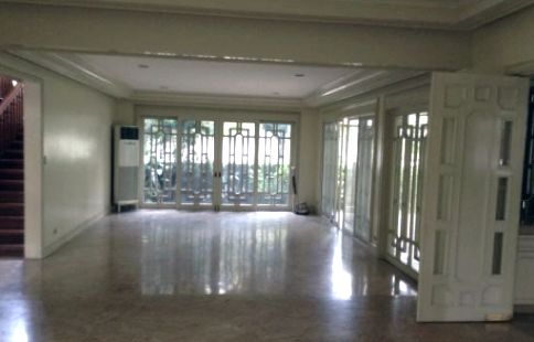 4 Bedroom Special House and Lot for Rent/Lease in San Lorenzo Village Makati(All Direct Listings) - 4