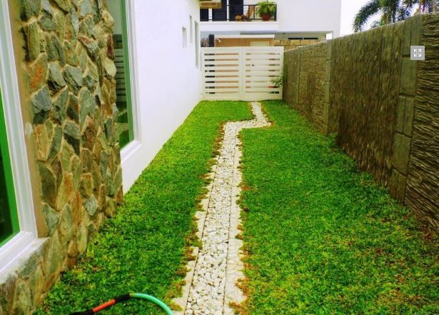 Modern House with swimming pool for sale in Hensonville - 80K - 4
