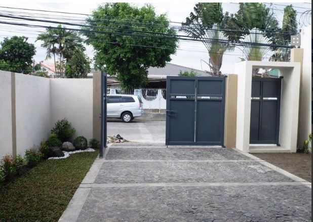 Newly Built 2 Storey House in Balibago for rent - 1