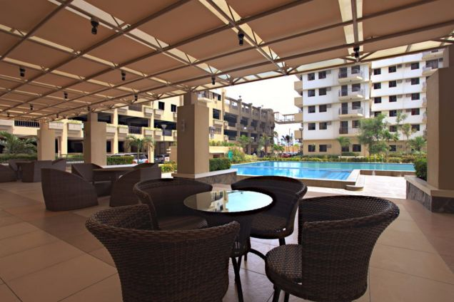 2 Bedroom End Unit Cypress Towers in Taguig near Acacia Estates, BGC, Mckinley - 9