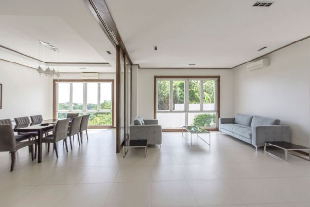 Modern 4 Bedroom House for Rent in Maria Luisa Park - 2
