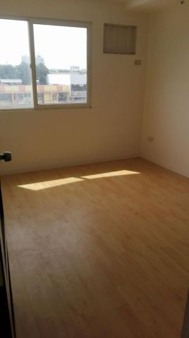 3 bedroom unit for sale in Linmarr Towers - 0