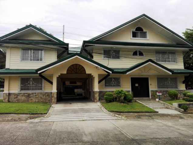 6Bedroom House & Lot For RENT In Friendship,Angeles City. - 1