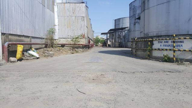 For sale lot in Pandacan Manila with existing oil depot good for housing and condominium projects - 3