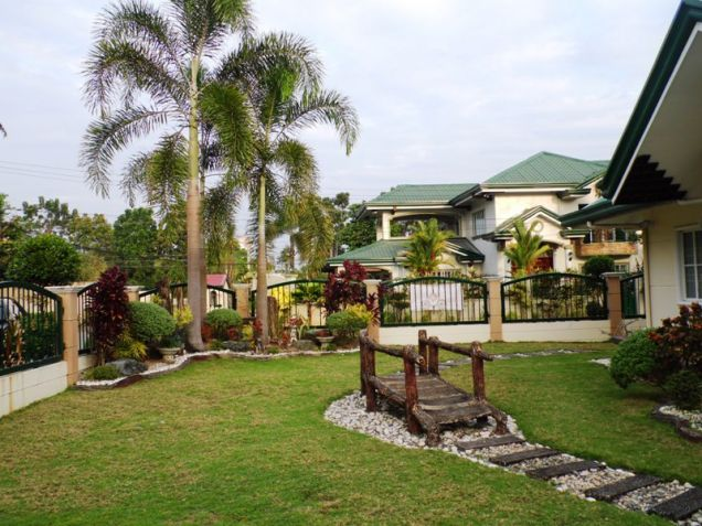 W/Huge Yard  Corner Lot House & Lot For Rent In Friendship Angeles City - 4