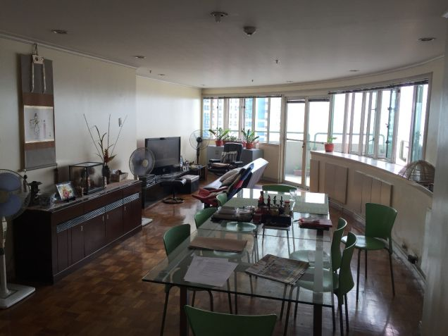 Pioneer Highlands Mandaluyong Three Bedroom for Sale with Balcony - 0