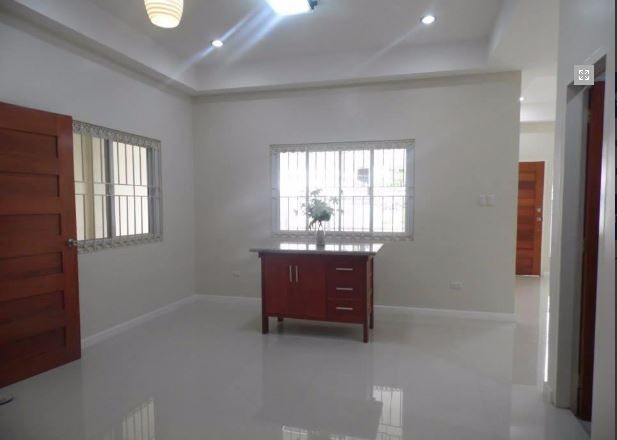 Bungalow House with Spacious yard for rent - 2
