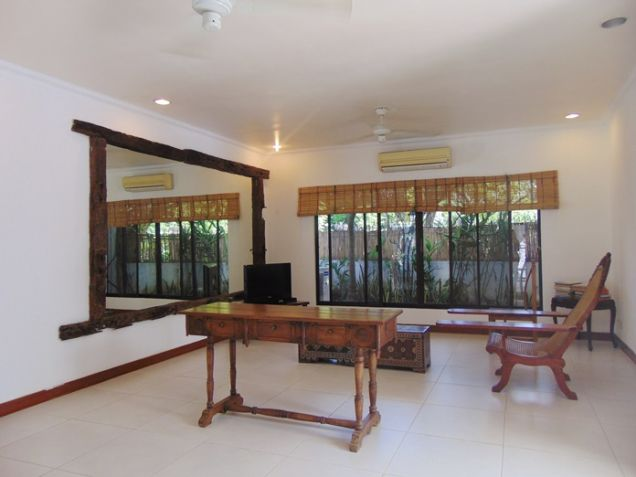 4 Bedroom Bungalow House with Swimming Pool for Rent in Banilad, Cebu City - 7