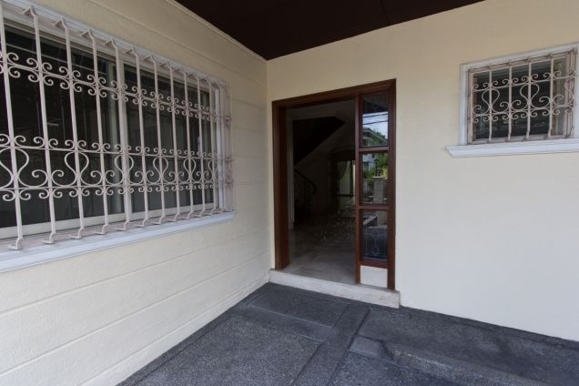3 Bedroom Duplex House For Rent in San Lorenzo Village, Makati - 7