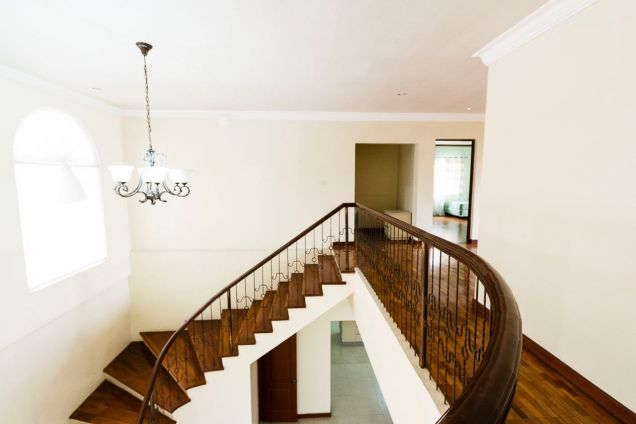 5 Bedroom House for Rent in Maria Luisa Estate Park - 5