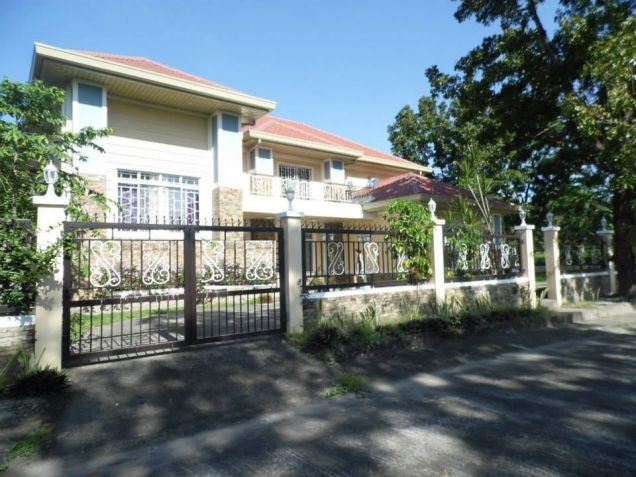 House and Lot for Rent with Spacious Living area in Friendship at 55K - 0