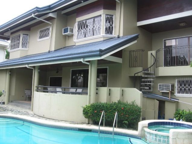 5-Bedroom House in Banilad with Swimming Pool Semi Furnished - 0