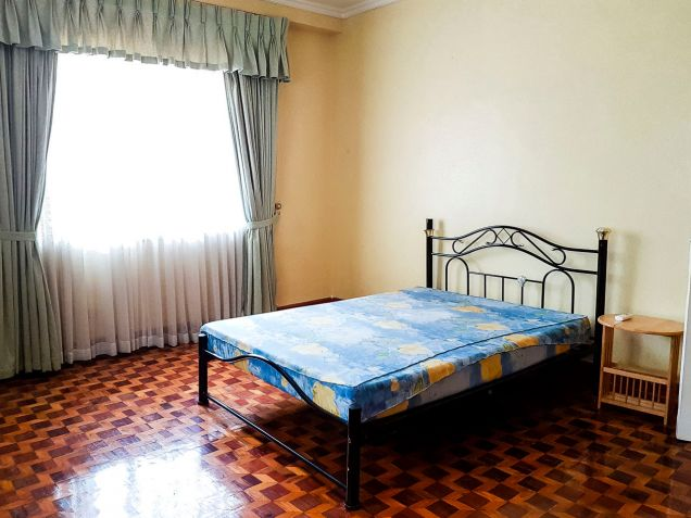 Spacious 7 Bedroom House for Rent in North Town Homes - 7