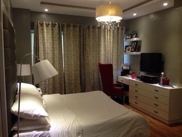 Best Buy 2 bedroom unit Fully Furnished in BGC - 9