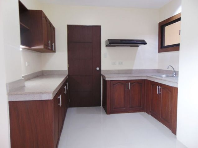 4 Bedroom Apartment for Rent in Guadalupe, Cebu City, Semi Furnished - 3