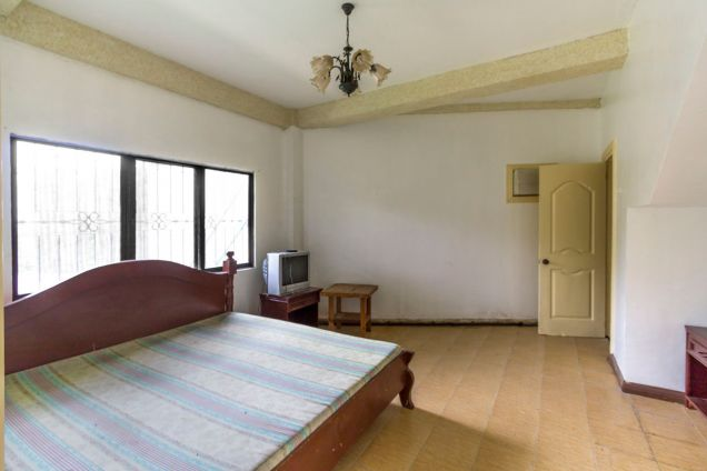 Spacious 5 Bedroom House with Swimming Pool for Rent in Maria Luisa Park - 6