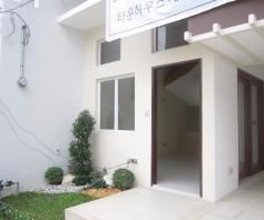 Fully Furnished Town House for rent - 42K - 0