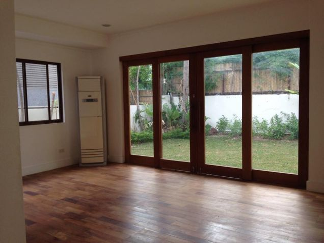 Bungalow House for Lease in Dasmariñas Village - 0