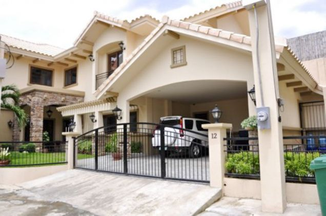 5 Bedroom House with Swimming Pool for Rent in Cebu City - 0