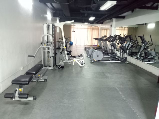 Very Convenient 2 Bedroom Condo Unit near at Shangrila Hotel at Mandaluyong City - 2