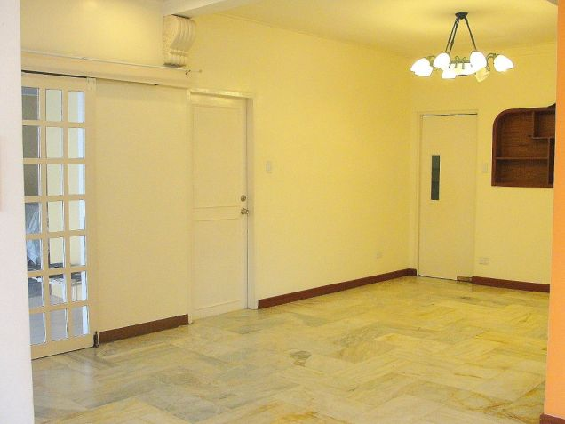 VAA Homes Las Pinas near Perpetual 3-bedroom bungalow for rent - 1