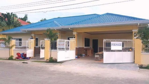 BUNGALOW House & Lot For RENT or SALE In Angeles City Near CLARK - 0