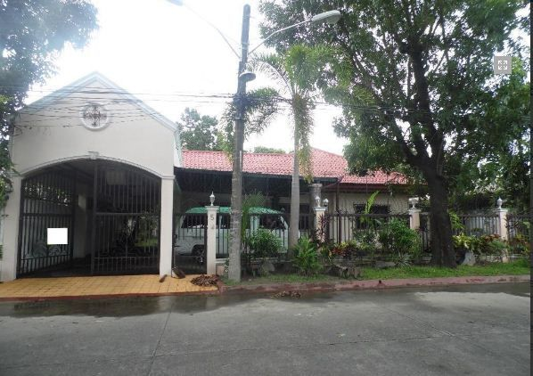 Bungalow House with 4 Bedrooms for rent - 35K - 0