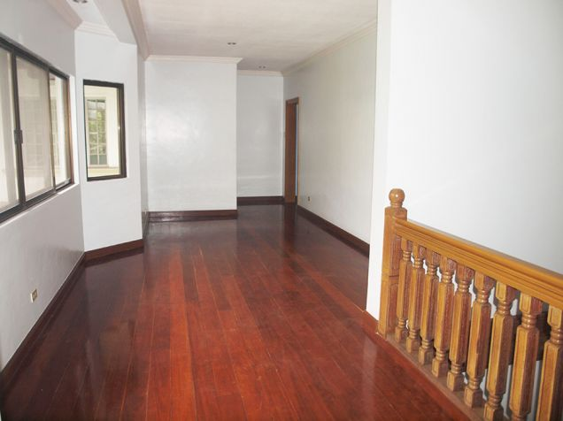 Ayala Alabang, 4 bedrooms with den and pool house for rent - 5