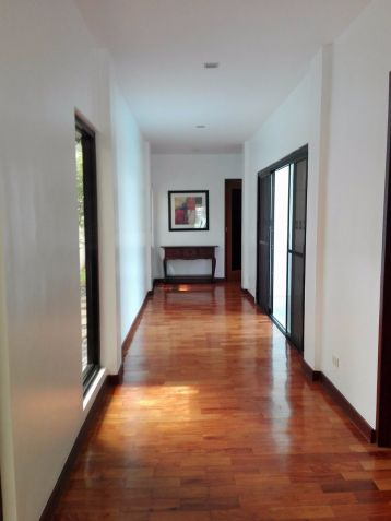 Spacious Bungalow House and Lot for Rent in Hensonville Angeles City - 5
