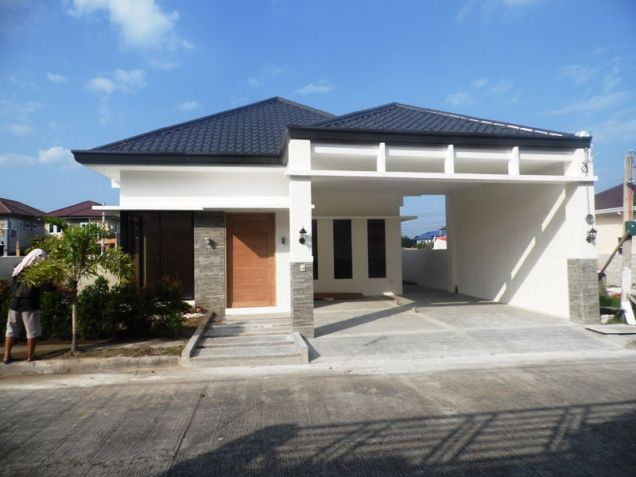 Fully Furnished 3 Bedroom House near SM Clark for rent - 45K - 0