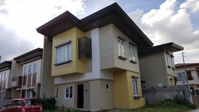4 Bedrooms Single Attached Furnished House For Rent in Minglanilla, Cebu - 0