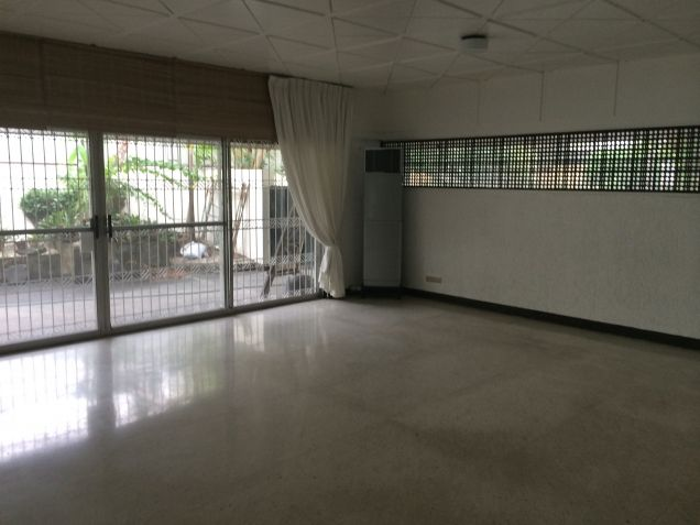 Dasmarinas Village Makati House Classic Style for rent - 1