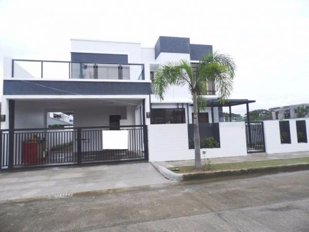 Semi furnished house and lot for rent in Angeles with 3BR - 80K - 8