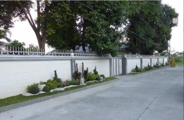 1 Storey House with Nice Landscaped yard for rent - 45K - 5
