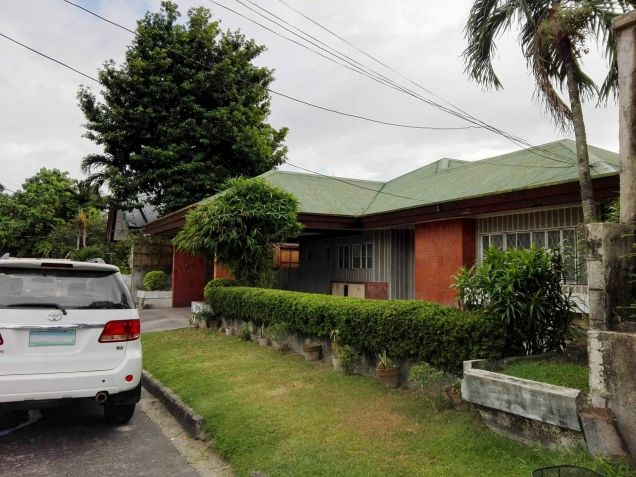 4BR Bungalow house and lot for rent in Friendship - 35K - 3