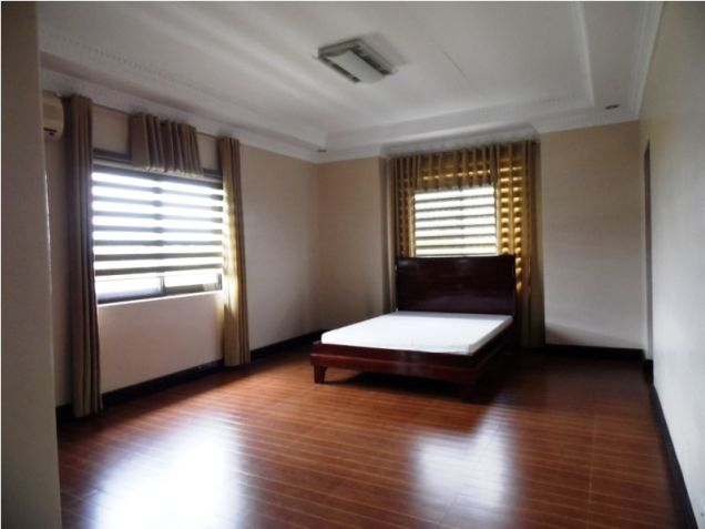 Modern House with 4 Bedroom for Rent in Hensonville Angeles City - 9