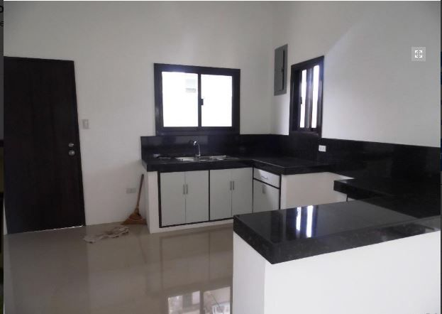 This Bungalow House with Spacious Living room at P25K - 5