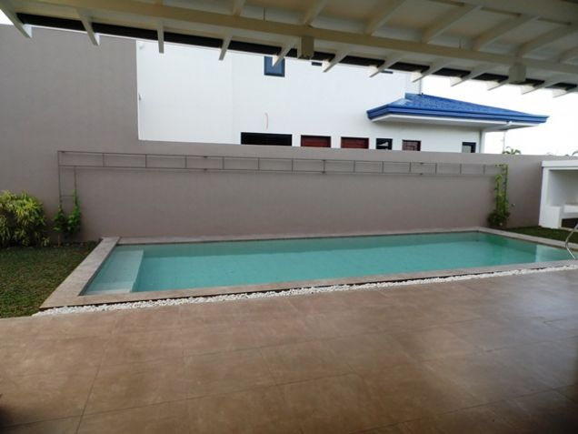 Spacious Bungalow House with Swimming Pool For rent -90K - 5