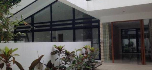 Urdaneta Village Makati House For Rent - 1