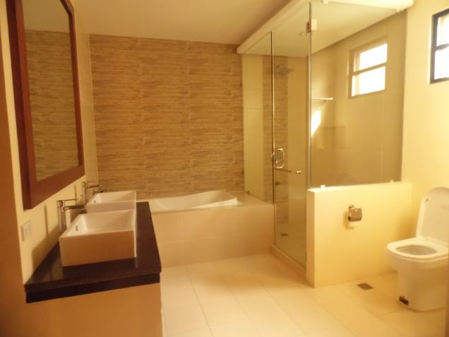 Unfurnished House With 5 Bedroom In Angeles City For Rent - 8