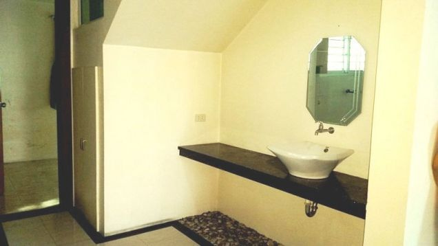 3 bedroom House with swimming pool for rent in Friendship - 75K - 1