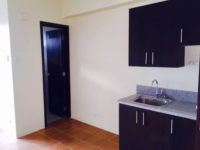 2 Bedrooms Ready For Occupancy Condo in Makati near Ayala at San Lorenzo Place - 8