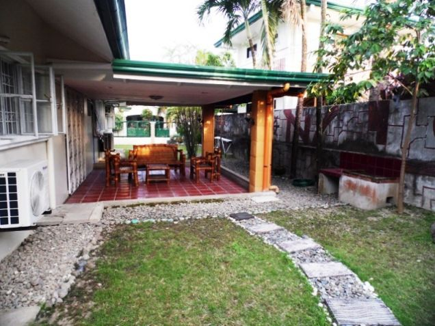 Bungalow House w/ Spacious yard for rent in Angeles City, Pampanga @P50K - 5