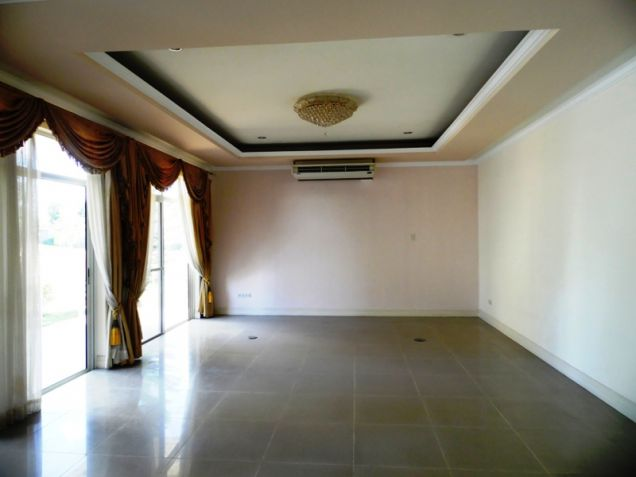 2-StoreyFurnished House & Lot For Rent In Hensonville Angeles City W/Golf Course ,Lawn Bowling Ect. - 7
