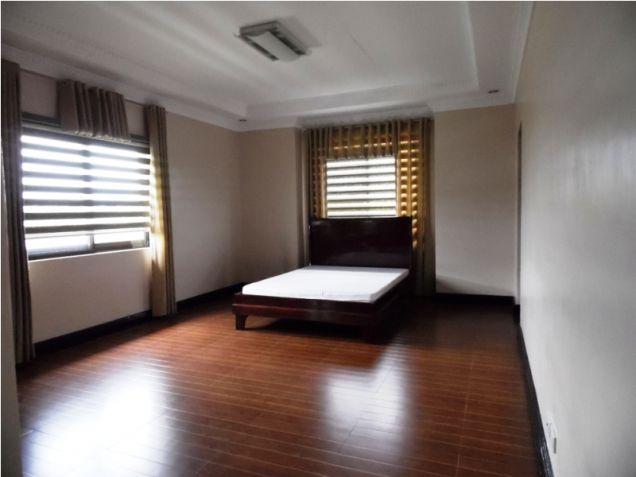 Modern House with 4 Bedroom for Rent in Hensonville Angeles City - 8