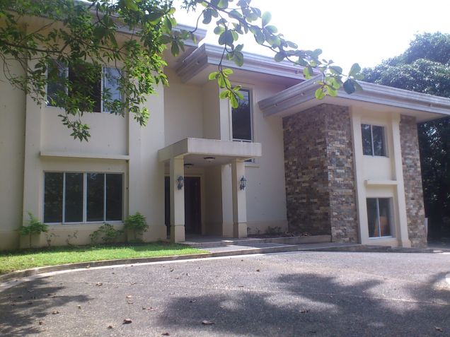 Forbes Park Makati contemporary house for rent - 0